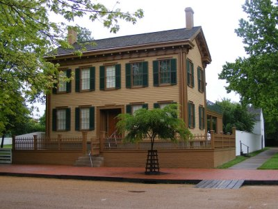 Abraham Lincoln's home. YTTwebzine photo.