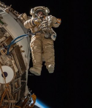 NASA In Brief: Russian spacewalk to air on NASA TV; Moon business sought